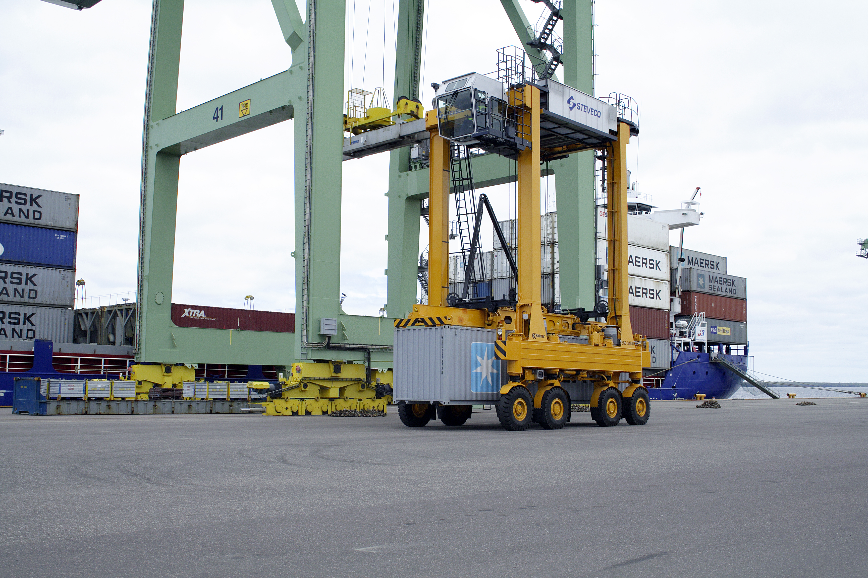 cargo handling Effective execution alliance ground's ability to effectively execute has been demonstrated by our proficient and successful operations alliance ground international presently performs cargo, mail and ramp handling services to 35 airlines in eleven airports: chicago, new york, atlanta, miami, orlando, los angeles, san francisco, fort.